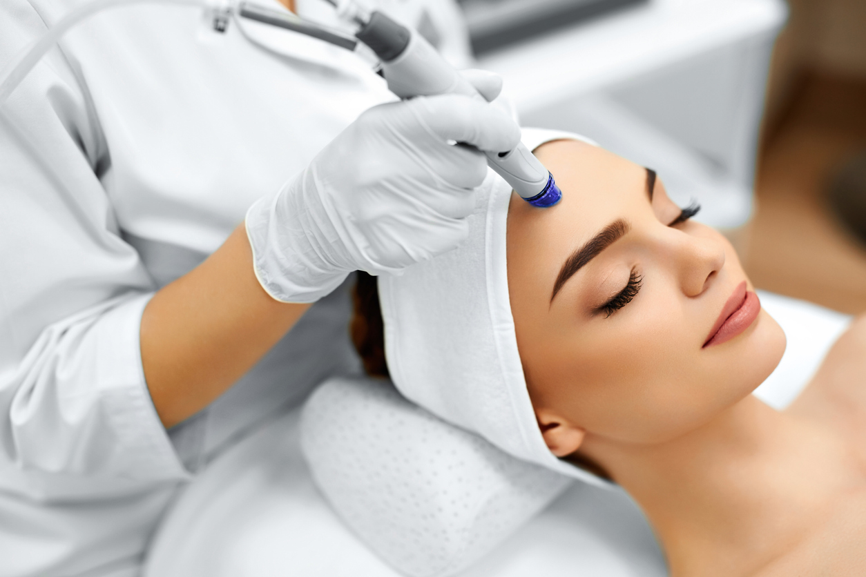 Aesthetic Clinic Cost/Price for Hydrafacial in Singapore Face